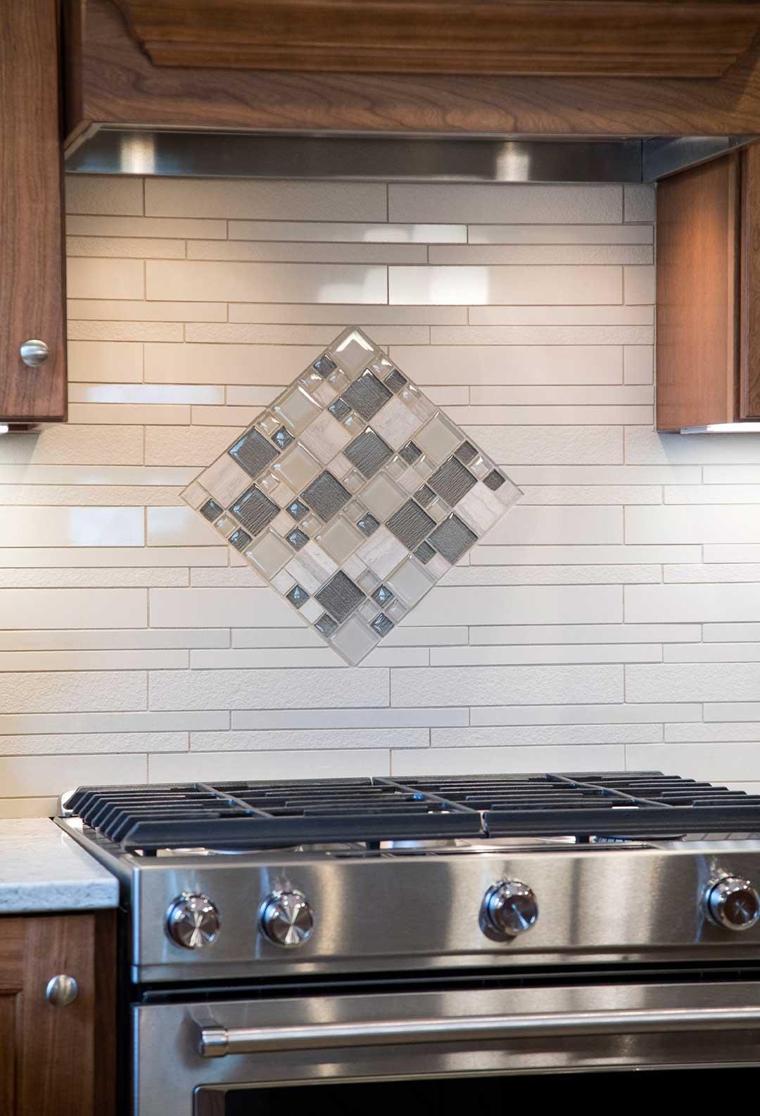 Fitchburg-WI-Transitional-Kitchen-Remodel-Backsplash