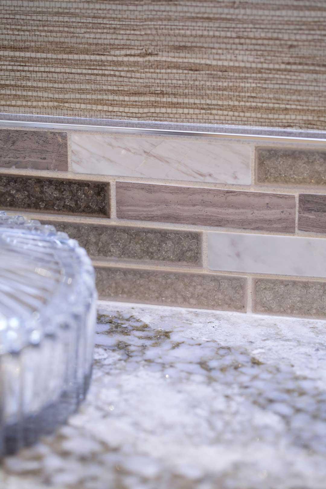 Madison-WI-Contemporary-Bathroom-Remodel-Backsplash-Close-Up