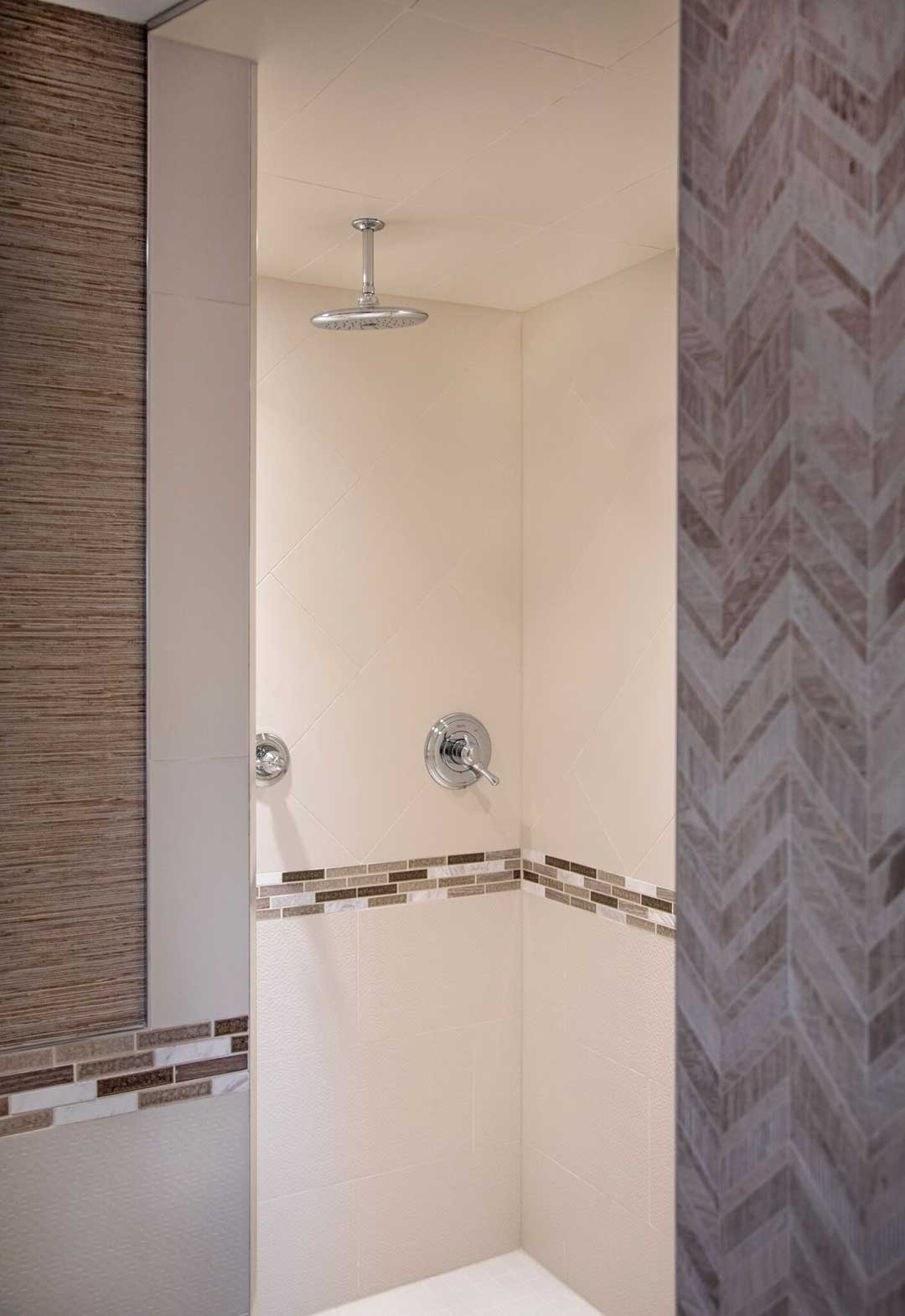 Madison-WI-Contemporary-Bathroom-Remodel-Shower