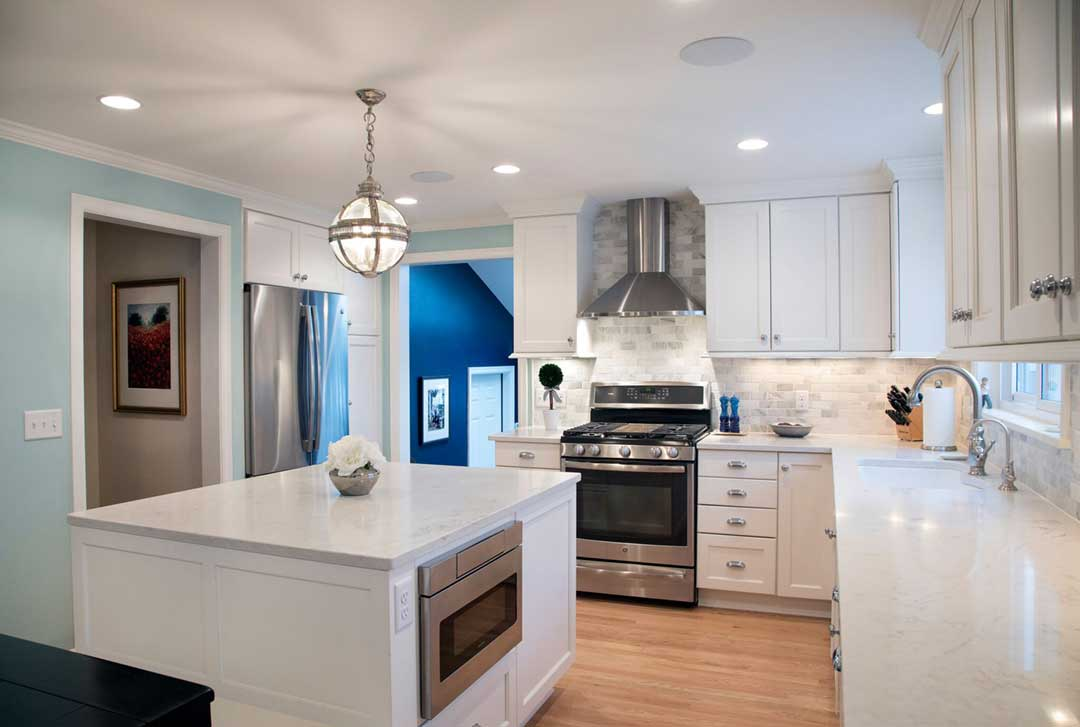 Madison-WI-Transitional-Kitchen-and-Mudroom-Addition-Island