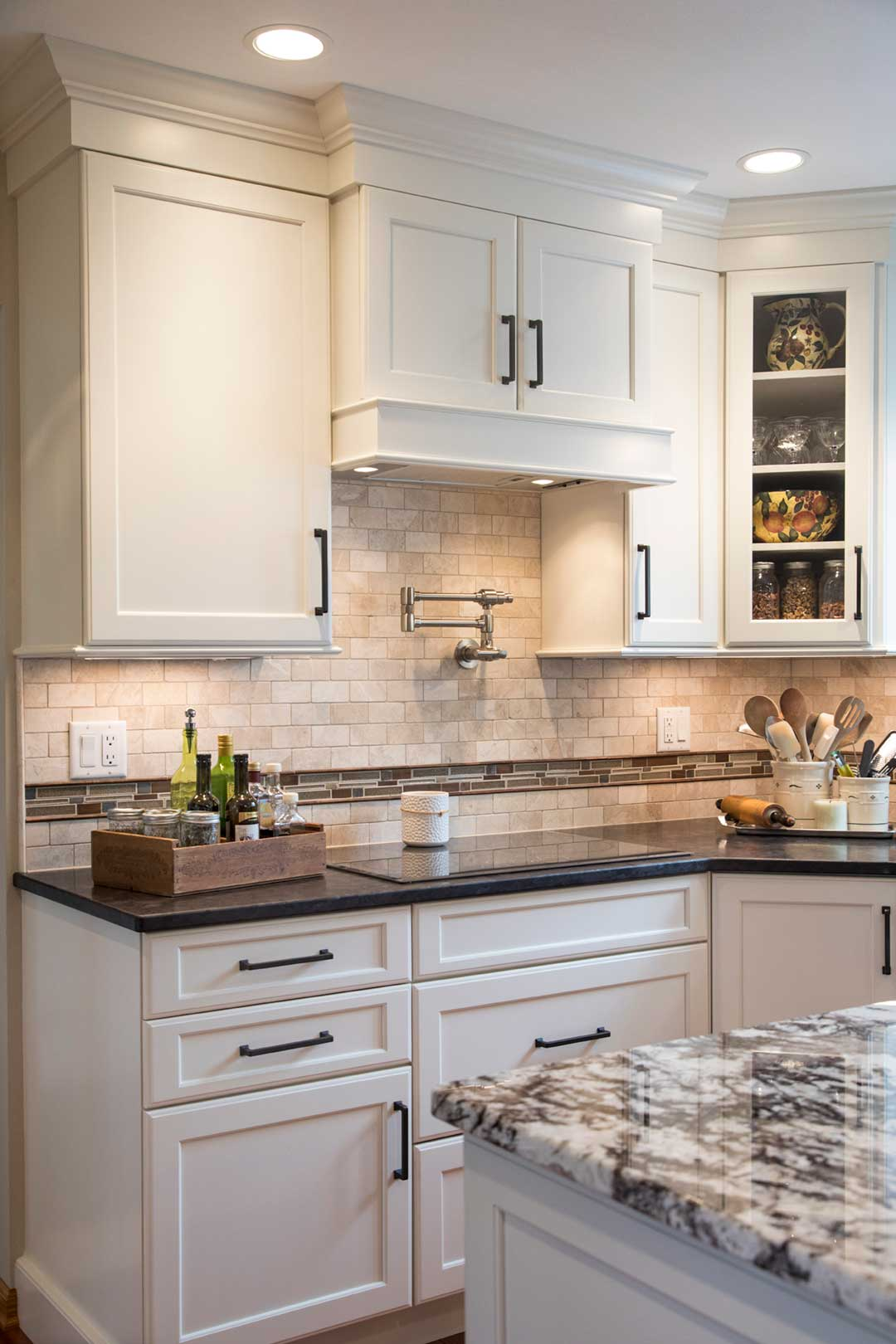 Verona-WI-Traditional-Kitchen-Remodel-Stove-Top