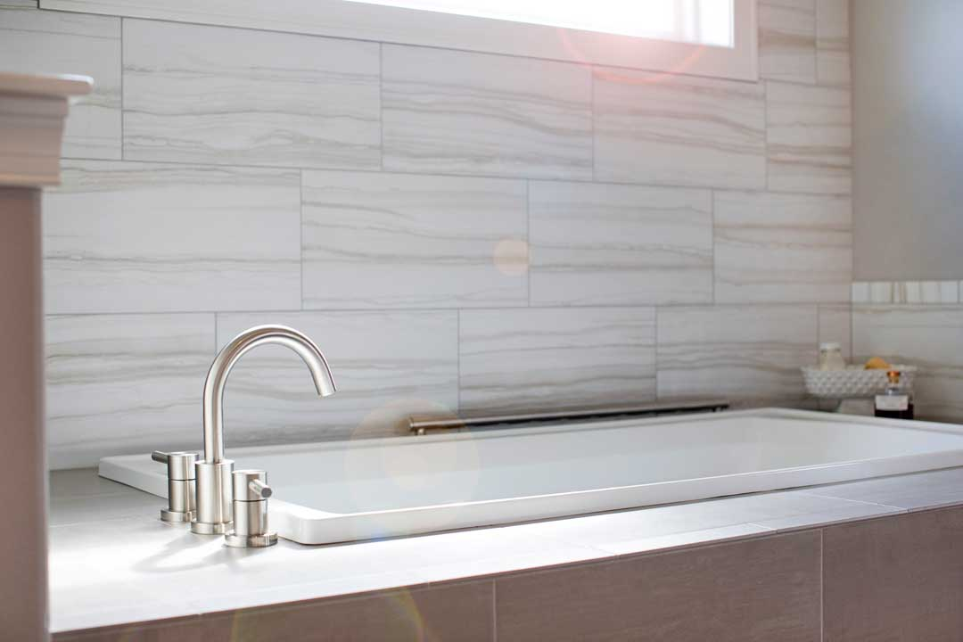 Sun-Prairie-WI-Home-Addition-Bathtub